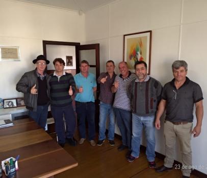 Anibelli Neto visita emedebistas de Pato Branco