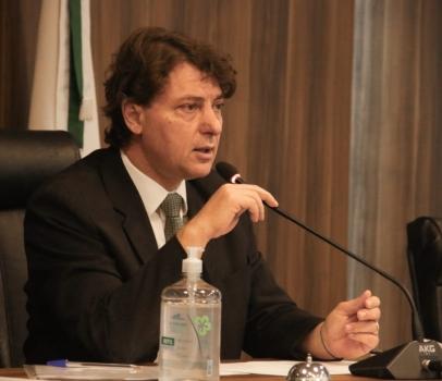 Custas dos cartórios: Anibelli Neto destaca sucesso da comissão