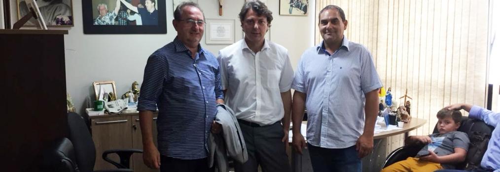 Prefeito Ademir Gheller de Clevelândia visita Anibelli Neto.