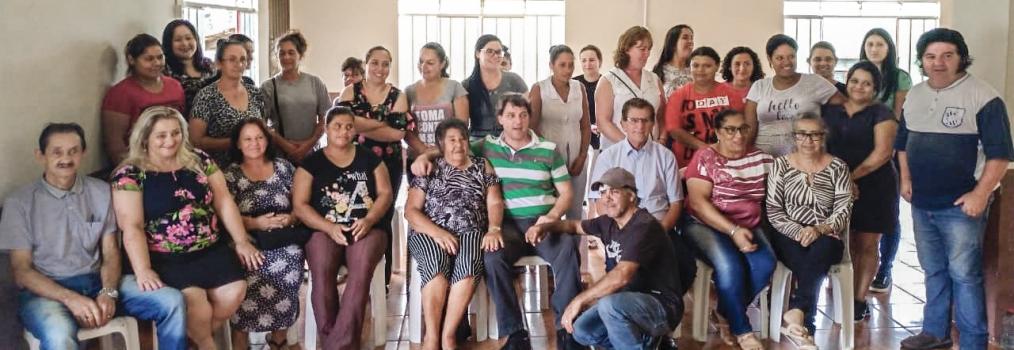 Anibelli Neto prestigia nova cooperativa de confecção de roupas em Agudos do Sul