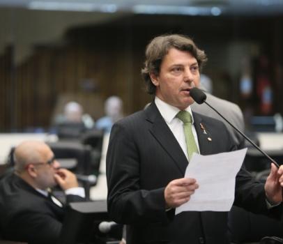 """""""Tem saída"""": projeto em tramitação na Assembleia Legislativa visa promover a autonomia financeira das mulheres"""