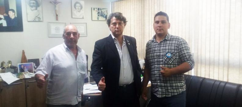 Anibelli recebe companheiros do PMDB de Guaraqueçaba.