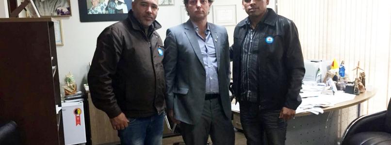 Anibelli Neto recebe a visita dos amigos de Piraquara.