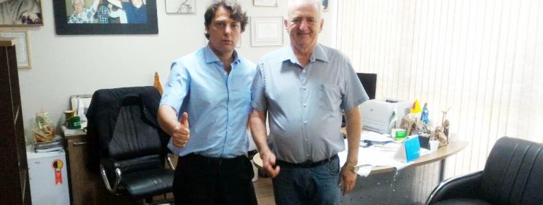 Anibelli recebe a visita do amigo Luiz Carlos Stangherlin da cidade de Verê.