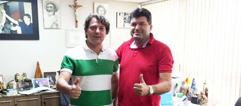 Anibelli recebeu a visita do amigo Nilson Martins ex-prefeito de Atalaia.