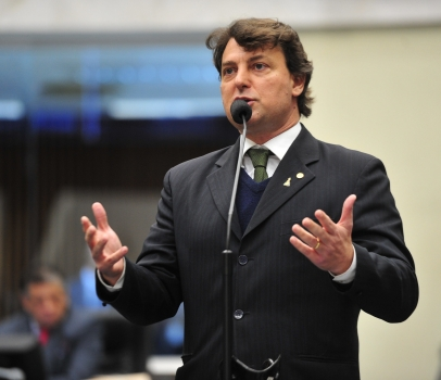 """Anibelli Neto relembra os 5 nos da """"Batalha do Centro Cívico"""""""