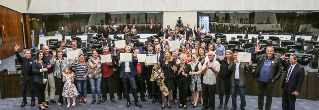 Em sessão solene, Alep homenageia os 70 anos do Restaurante Cascatinha