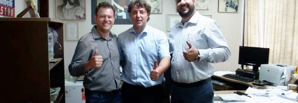 Anibelli Neto recebe visita dos amigos vereadores de Ivatuba.